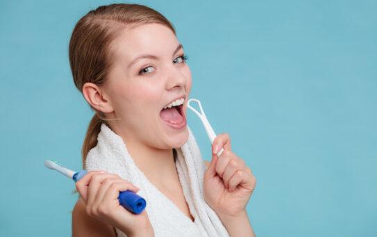 ¿Por qué es importante la higiene lingual?
